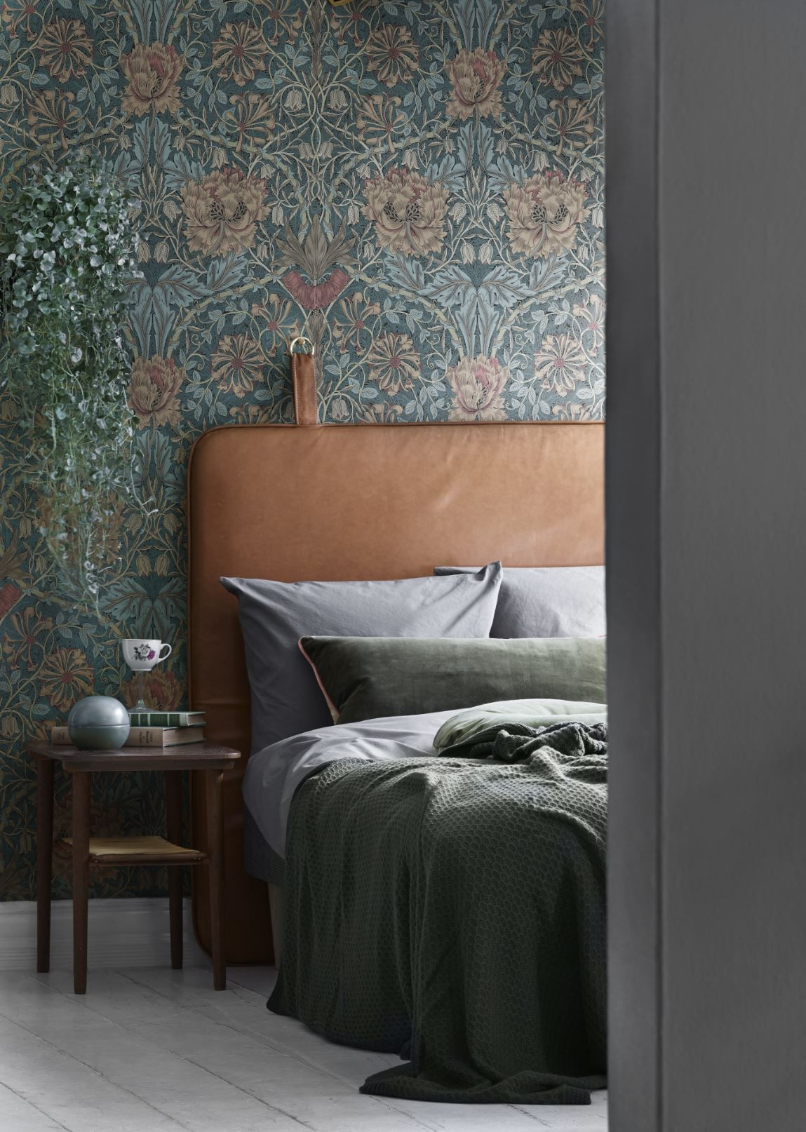 William Morris Wallpaper And Beautiful Leather Bedhead Tap The