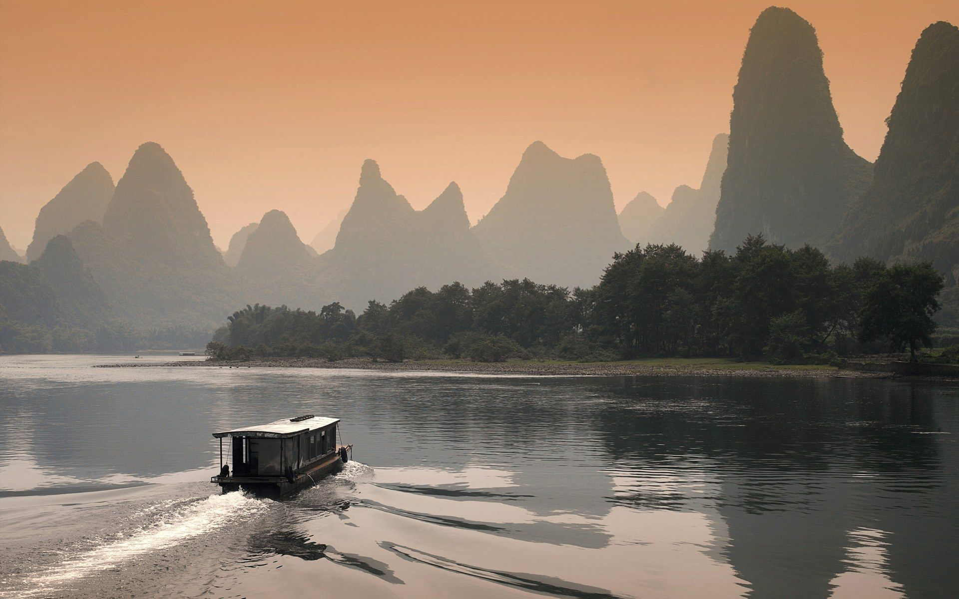 Li River At Dusk In Guilin Chinachina Hd Wallpapersworld Scenery Chinese Scenery Wallpaper Uk Panels Murals Birds Prin Chinese Landscape Asian Landscape Guilin