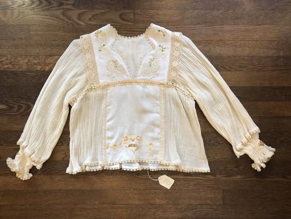 ea75752578 Nos vintage hippie boho blouse . Cotton gauze balloon sleeves . Embroidered  linen . True vintage bohemian 60s 70s w tags