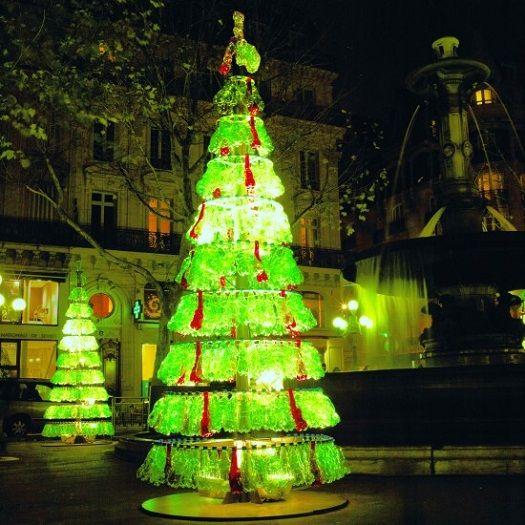 Árvore de Natal de garrafas plásticas