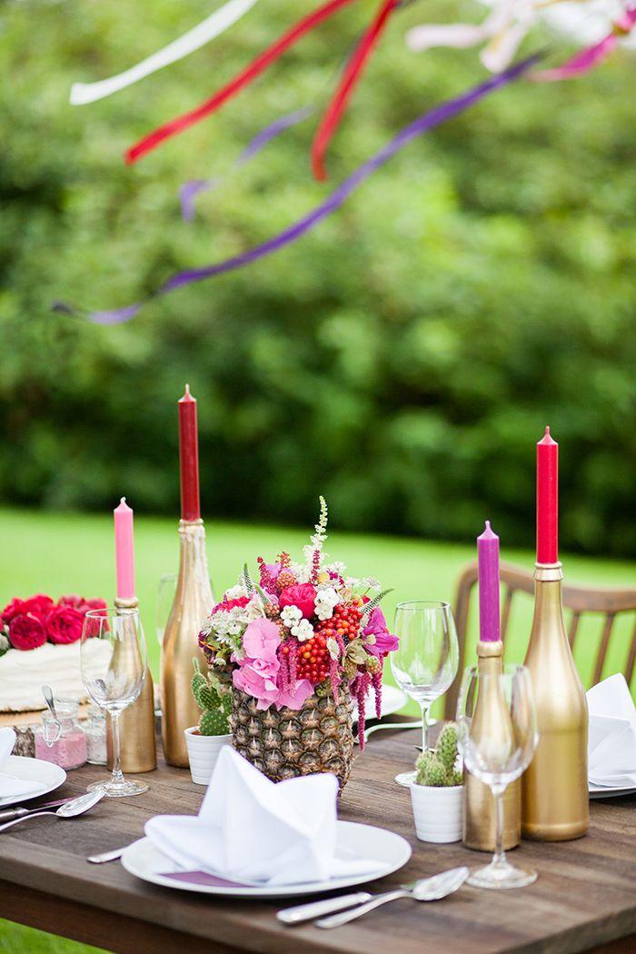 tischdekoration in rot lila und gold hochzeitsdeko wedding decoration pinterest anzug. Black Bedroom Furniture Sets. Home Design Ideas