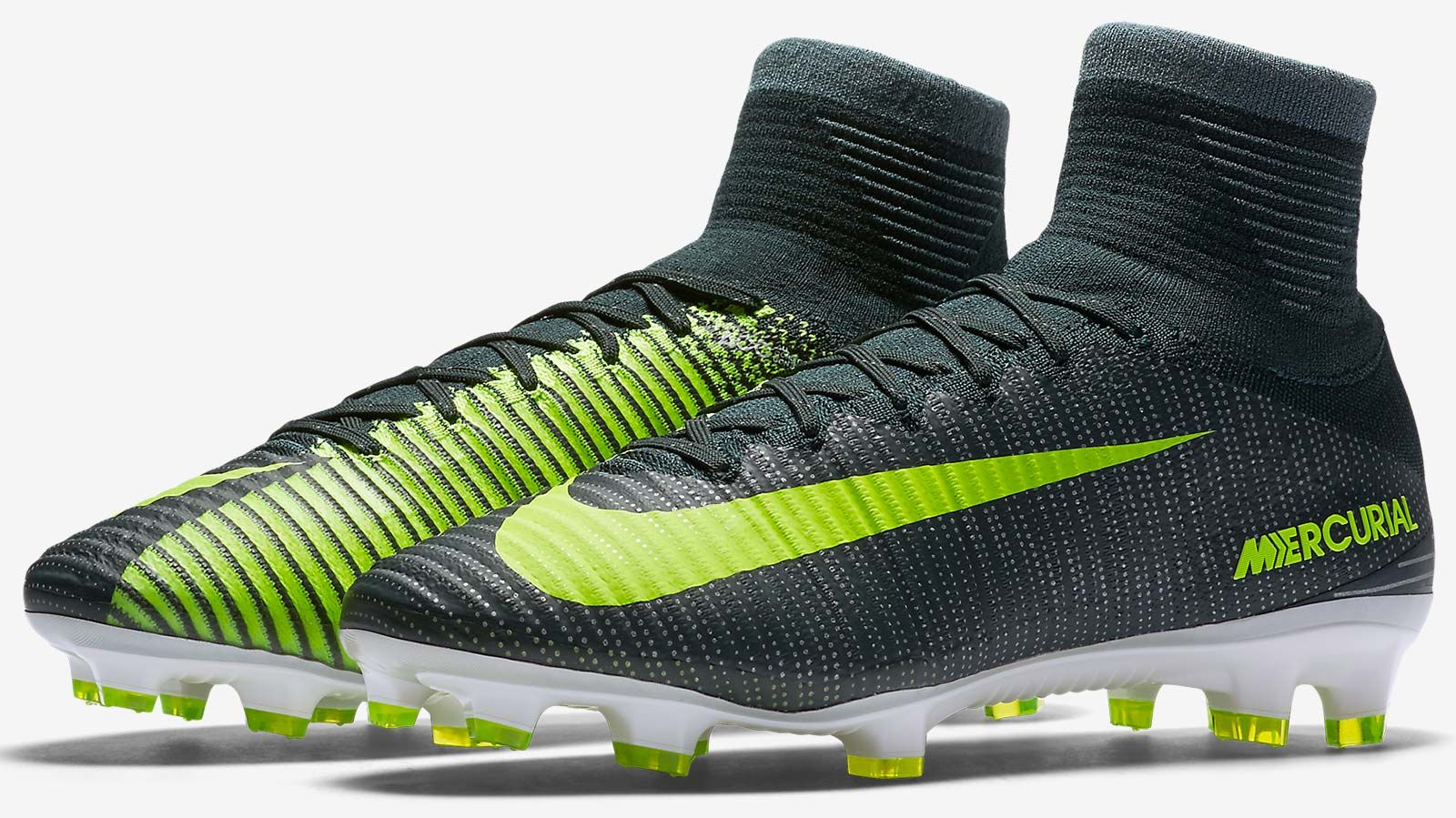 The dark green Nike Mercurial Superfly 2016-2017 Cristiano Ronaldo  Discovery Boots celebrate CR7's all