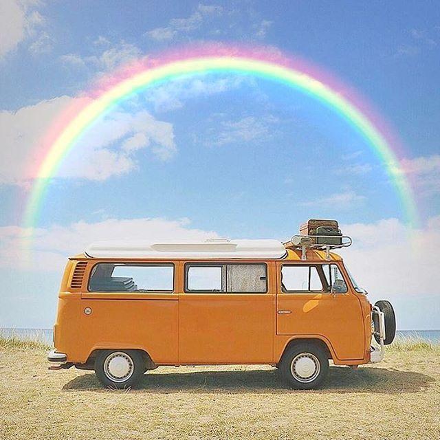 "12.5 k gilla-markeringar, 103 kommentarer - By Swen & Marie (@hippiespirits) på Instagram: ""Tag someone to make them smile 🚌🌈🌞 #photosbymarie 📷:@summerofseventyfive"""