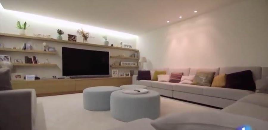 La Casa Al Completo De Una De Las Parejas Mas Famosas De Espana Sara Carbonero E Iker Casillas Muebles Para Tv Sala De Estar Moderna Diseno De Interiores