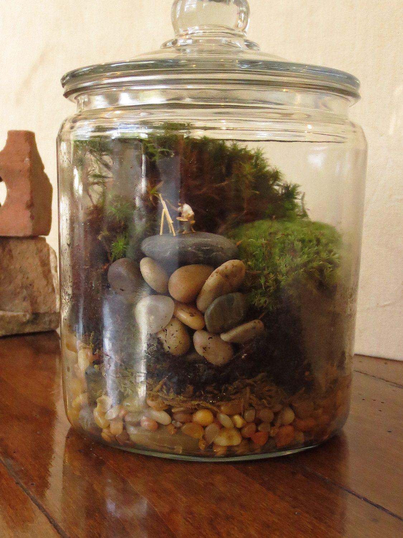 Artist in the garden terrarium accessory tiny terrarium - Terrarium decoration miniature ...