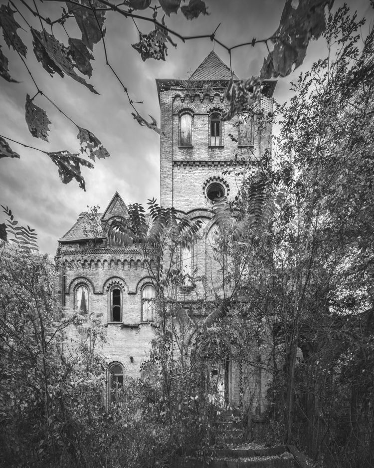 """Abandoned Wyndclyffe Mansion ... The house and the fury of construction it inspired is said to be the origin of the phrase, """"keeping up with the Joneses."""""""