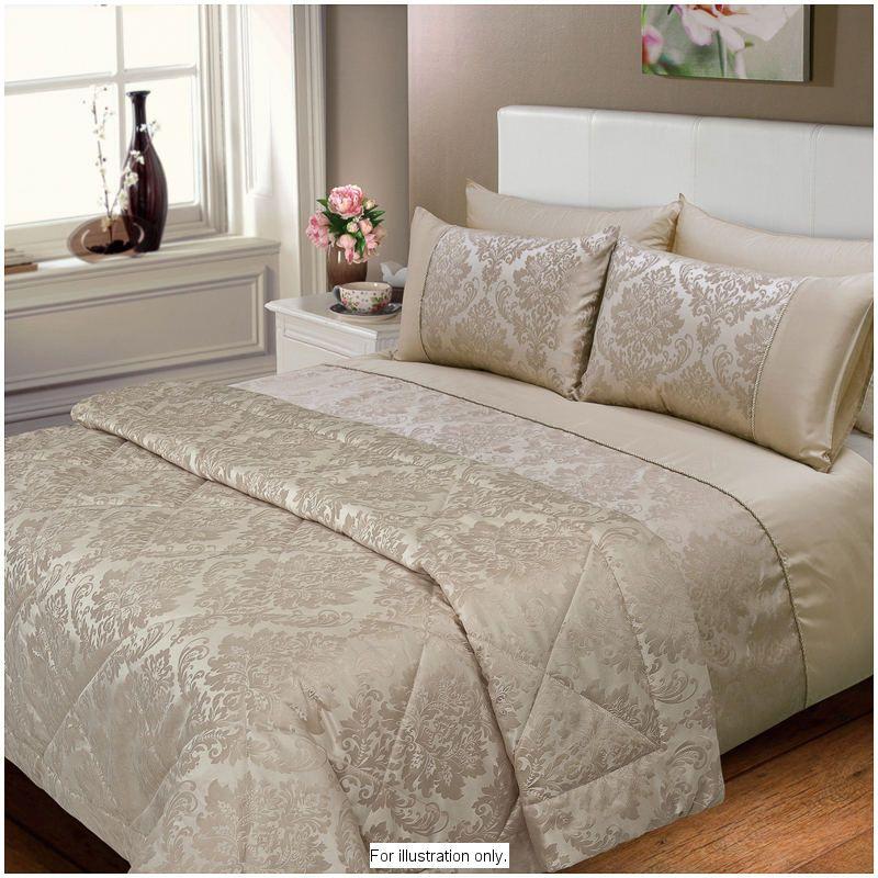 Elizabeth Jacquard Damask Bedspread.Fits both Double and