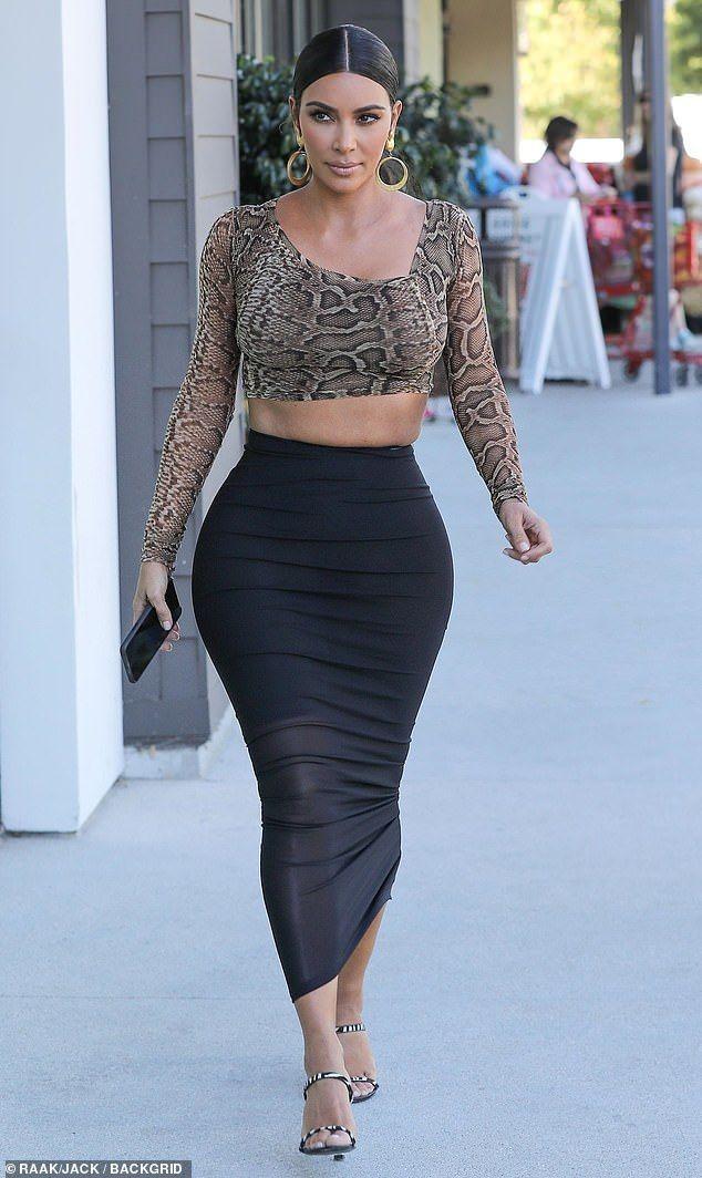 Kim Kardashian puts her curves on display in a tight two-piece outfit - Kim Kardashian puts her curves on display in a tight two-piece outfit    Showstopper: Kim Kardashian - #AlexaChung #AngelaSimmons #CannesFilmFestival #CelebrityStyle #curves #DianeKruger #Display #EmmaRoberts #Kardashian #KendallJennerOutfits #Kim #KimKardashian #MiraDuma #MiroslavaDuma #Outfit #puts #RachelBilson #RedCarpetDresses #RedCarpetFashion #RedCarpetLooks #SarahJessicaParker #ShilpaShetty #SonakshiSinha #StylingTi