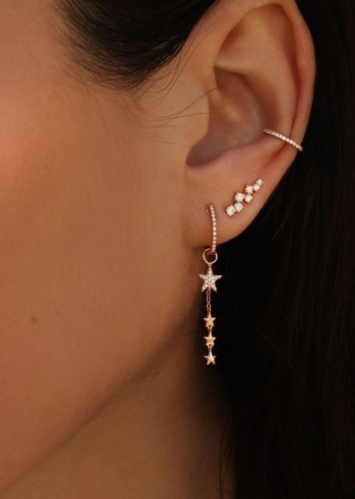 e5ec12e8cd378 ɪsᴀʙᴇʟʟᴀғᴀʙᴀ Star dangle earrings gold with extra piercings ...