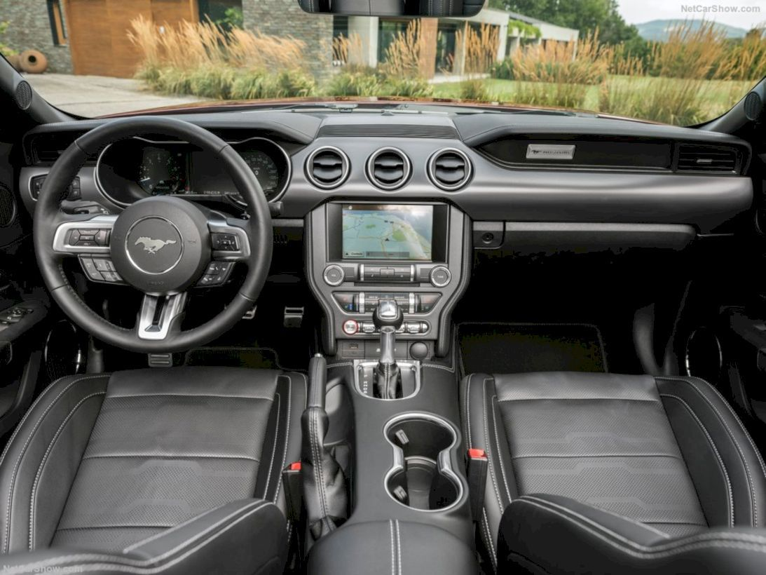 2018 Ford Mustang Convertible With Images Mustang Interior