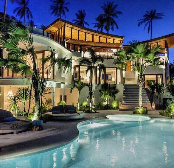 Luxury mansion exterior design with serene landscaping and for Luxury swimming pools