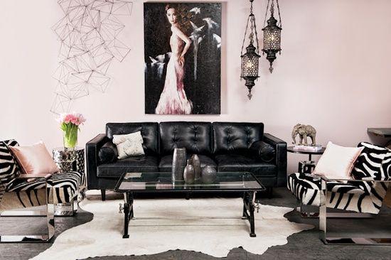 ISABEL PIRES DE LIMA - black sofa