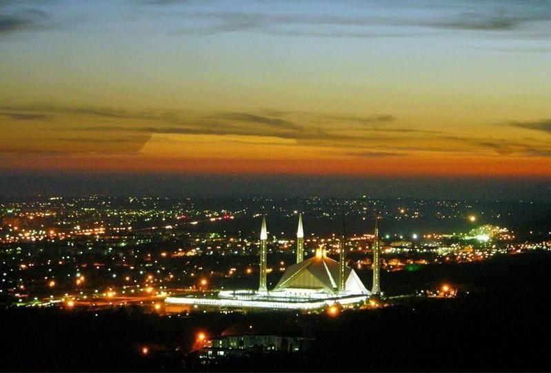 world famous mosque in Pakistan Faisal mosque real beautiful ....for all friendsss.....@anwarahmad864