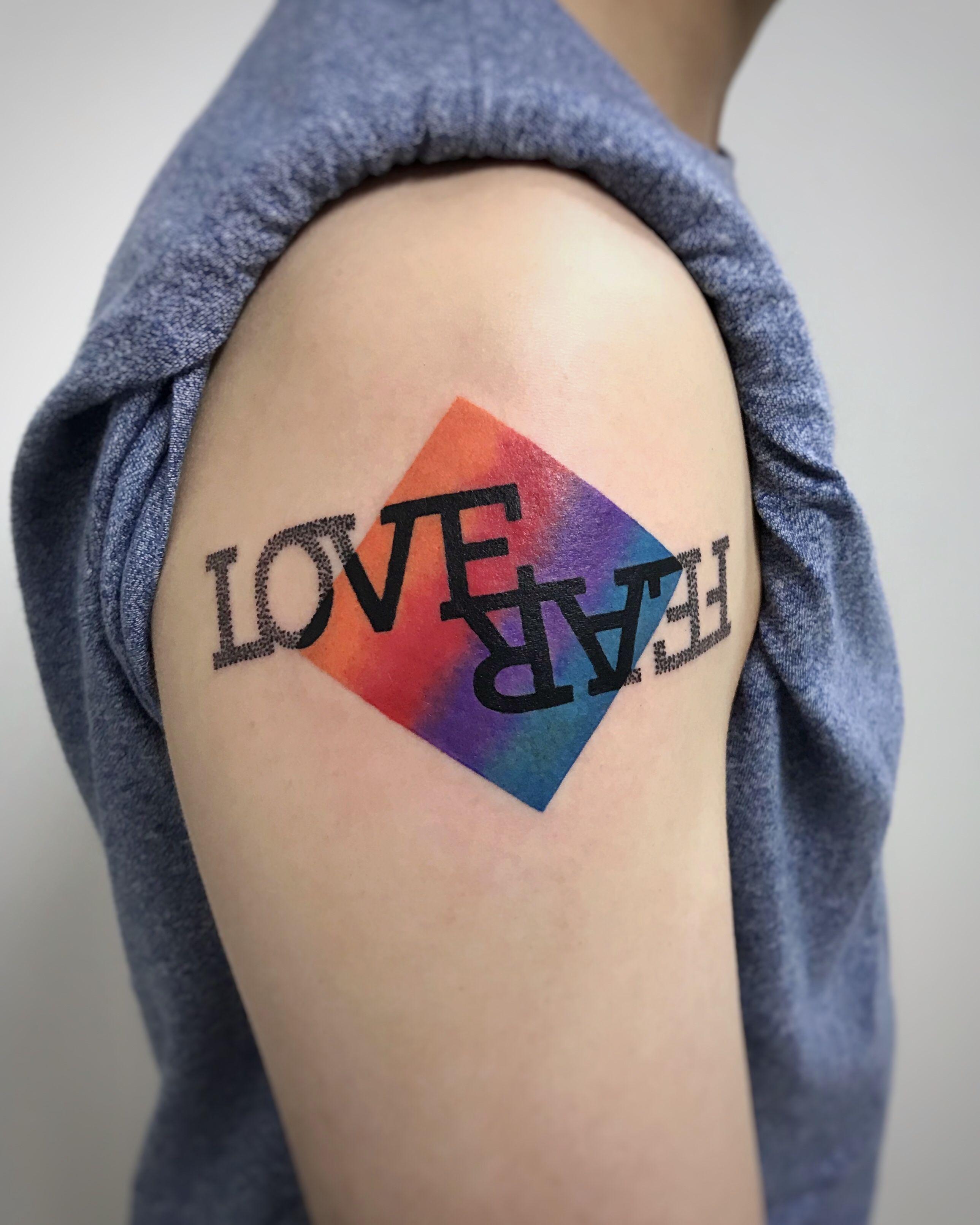 Tatuaggio lettering, Love Fear