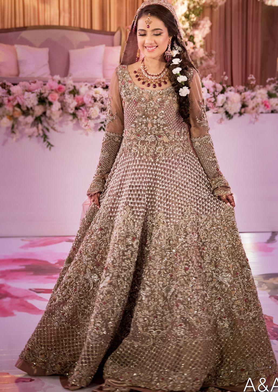 Engagement Or Nikkah Bride Bridal Maxi Dress Bridal Dresses Pakistan Pakistani Bridal Dresses [ 1450 x 1029 Pixel ]