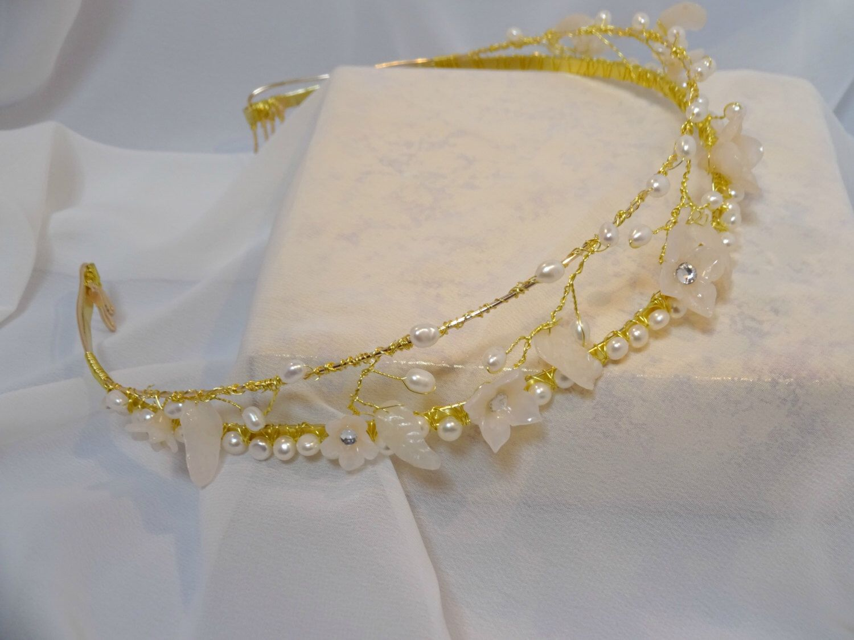 Trendy bridal headpiece - Trendy Bridal Headpiece Delicate Dream Wedding Headpiece Freshwater Pearls Art Nouveau Headband Bridal Pearl Headpiece
