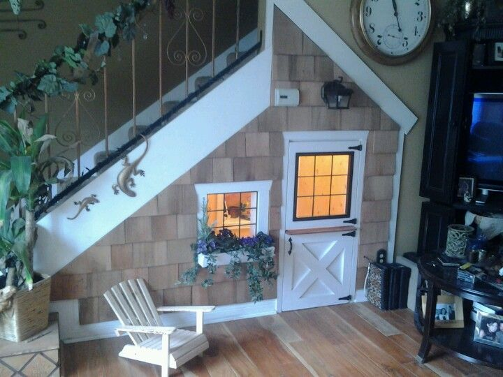 Playhouse Under The Stairs Great Use Of Wasted Space Cabane