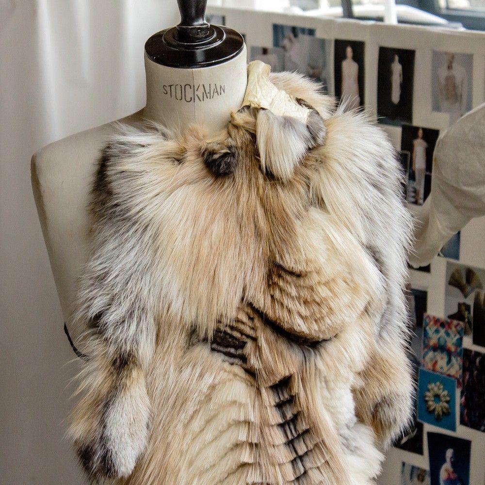 pingl par onemuze atelier de cr ateur sur textile mode fourrure mode vetement et haute. Black Bedroom Furniture Sets. Home Design Ideas