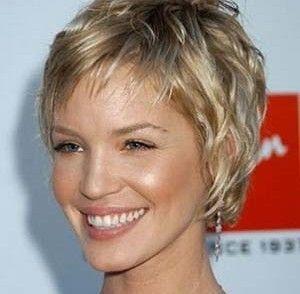 coiffure,femme,60,ans,cheveux,courts Plus