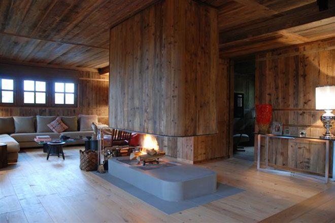 fireplace chalet, cheminée chalet en pietra serena et vieux bois