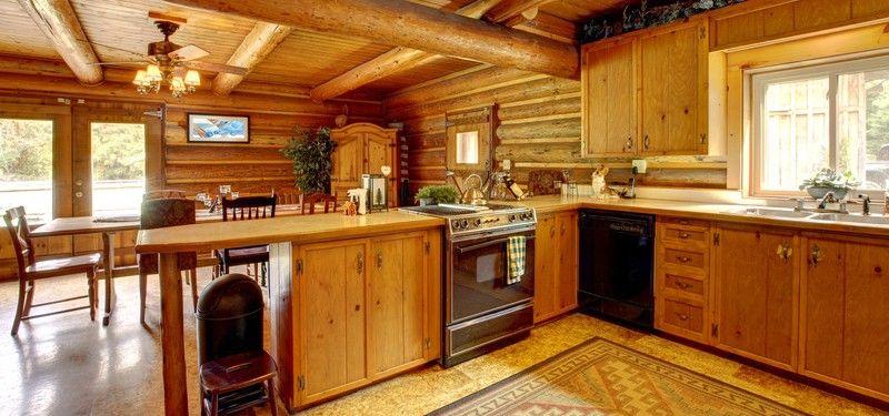 Les armoires de cuisine rustiques apportent chaleur et for Armoire de cuisine en pin