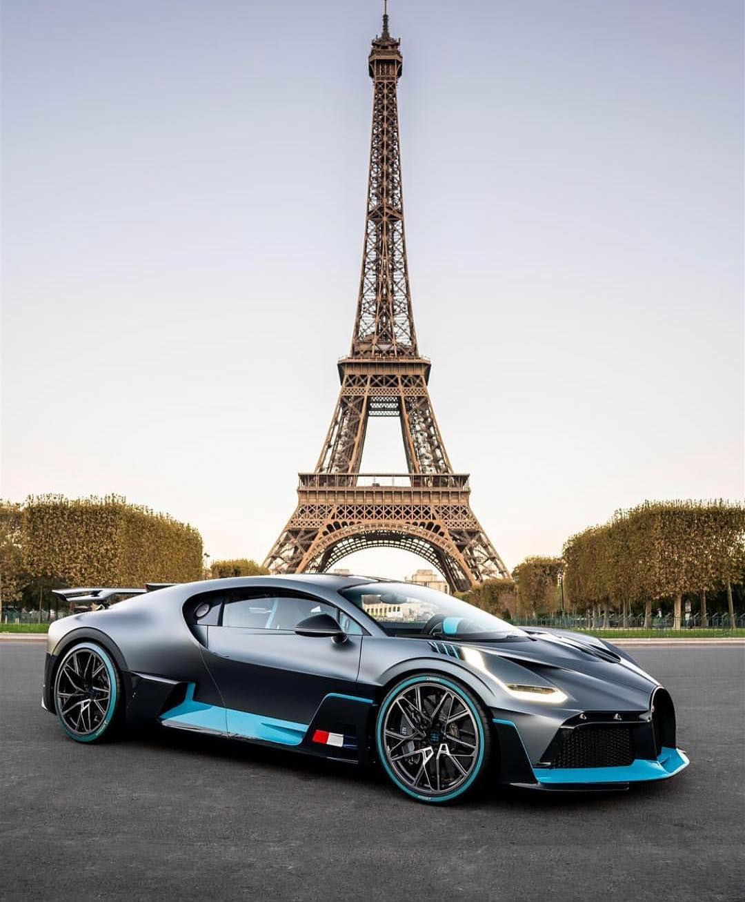 Diamond Bugatti Veyron Super Sport: The Bugatti Divo In Paris 🇫🇷