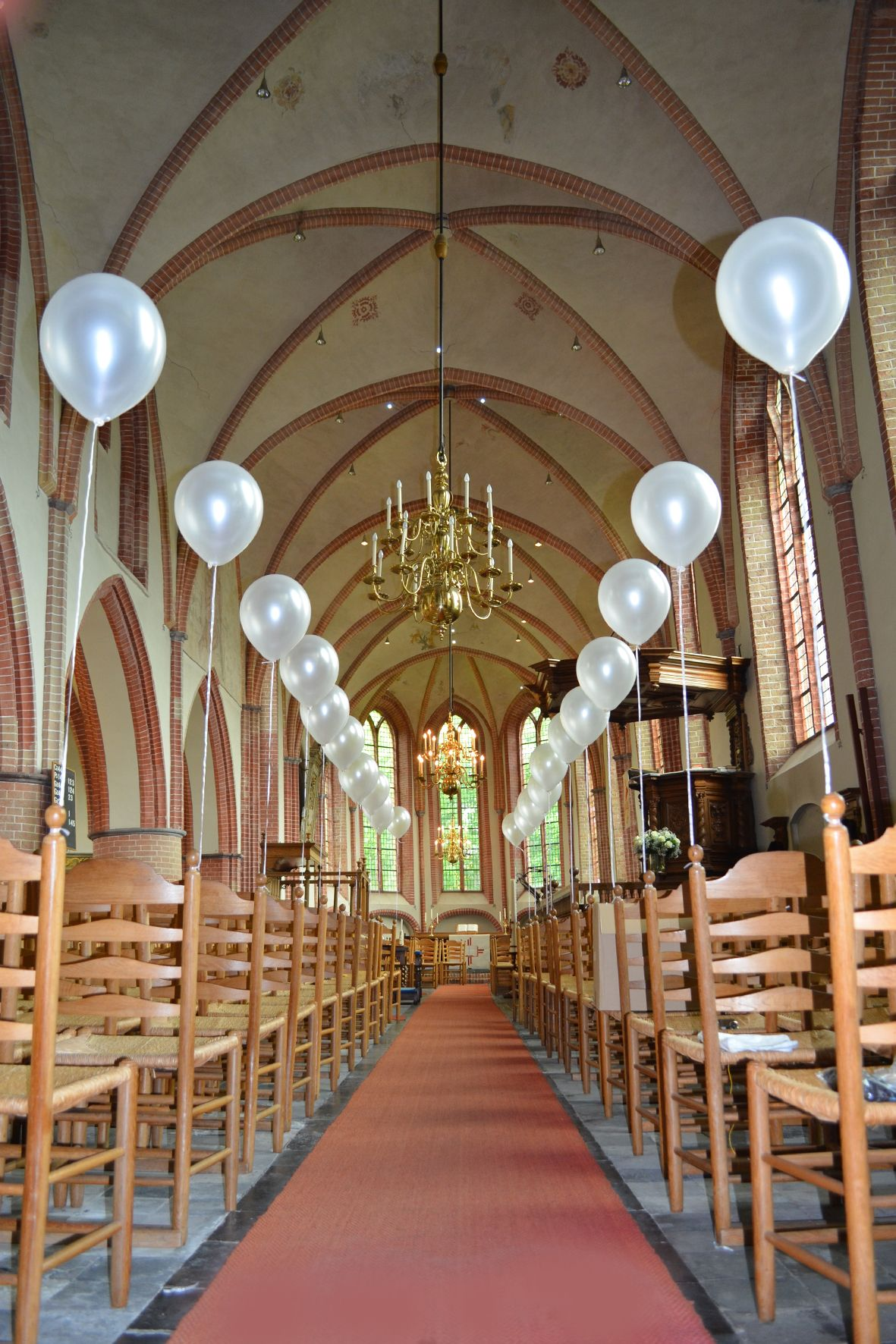 Wedding Bells Een Kerk Saai Om In Te Trouwen Niet Als Je De Locatie Mooi Aankleed Met