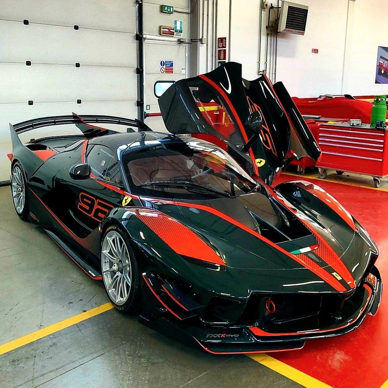 Ferrari FXX K Evo Owner @gregb.23 insta Z_litwhips