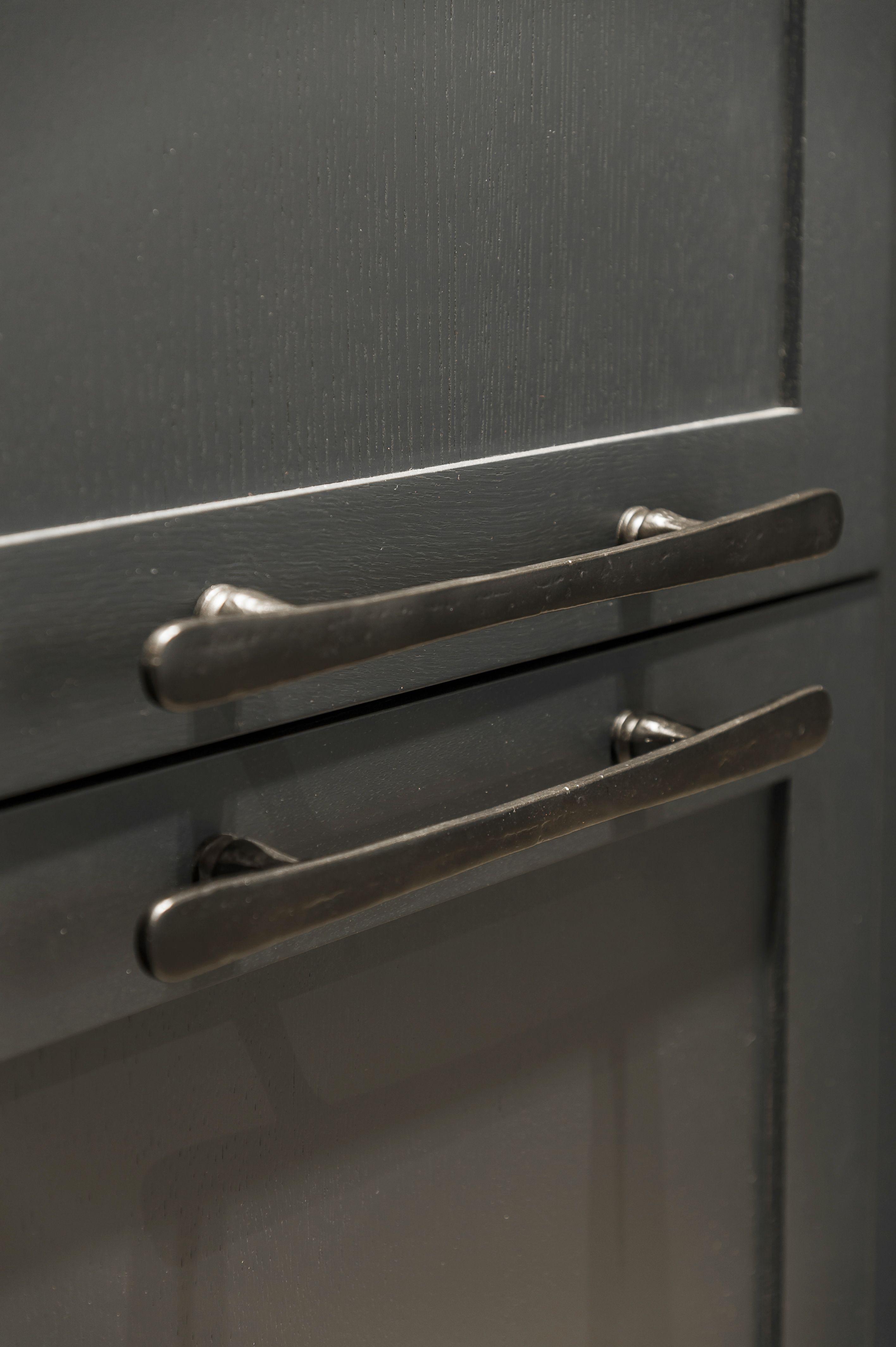 Dauby - Pure: Furniture Pull PMBU-224 Dark Iron (VO) 224mm, also ...