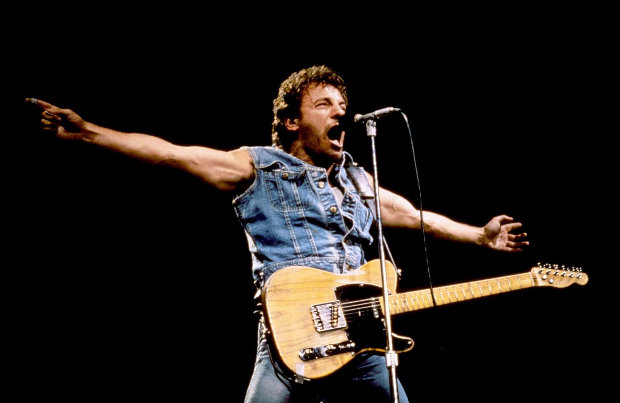 Pin by Rocket Inc. on Amazing Bruce Springsteen Photos or Art | Bruce  springsteen, Music photography, The boss bruce