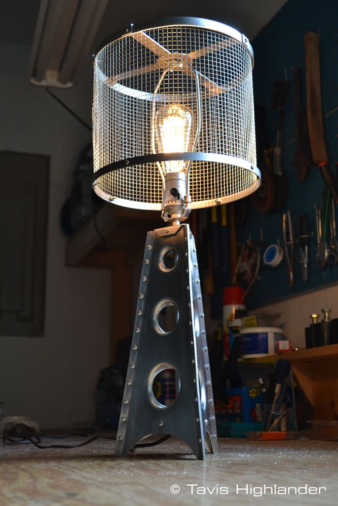 Aluminum Sheet Metal Buck Riveted Punch Flared Aviation Inspired Lamp Low View Industrial Style Lampe De Table Moderne Lampes De Table Table Industrielle
