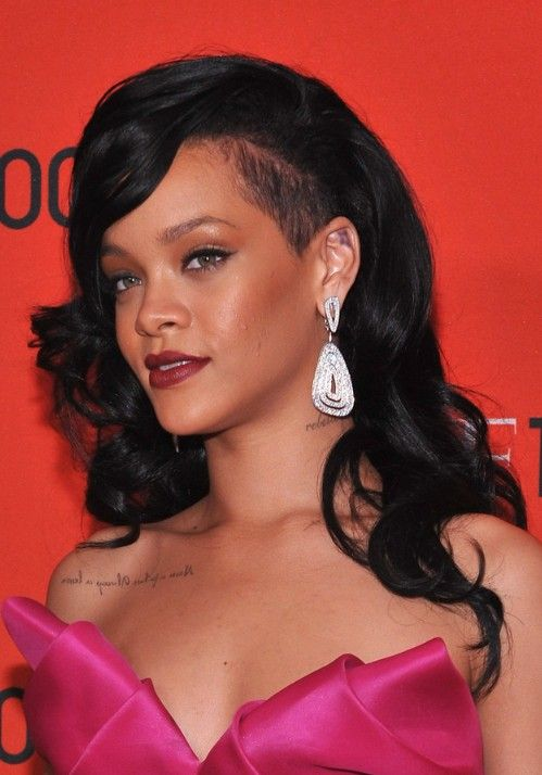 Rihanna Long Black Curly Hairstyle 2012 2013 Hairstyles Weekly Medium Hair Styles Curly Hair Styles Hair Styles 2014