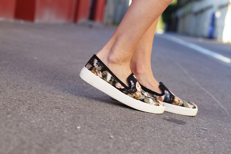 """Sam Edelman Floral Sneaker   get the look from """"The Timeless White Winter Coat""""   Front Roe, a fashion blog by Louise Roe"""