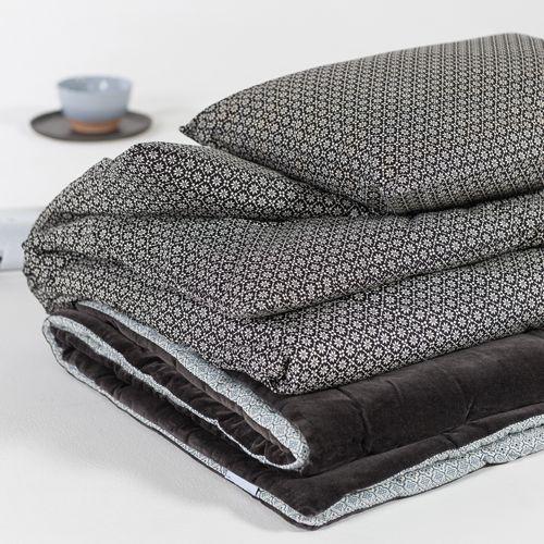 bout de lit r versible velours de coton ardoise decoclico. Black Bedroom Furniture Sets. Home Design Ideas
