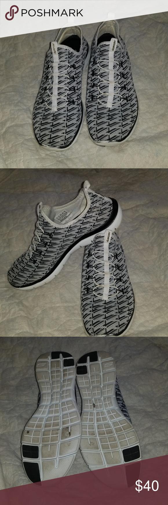 Sketchers Air Cooled Memory Foam No Tie Sneakers