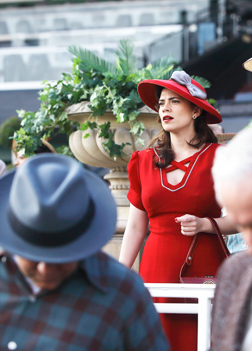Hayley Atwell in 'Agent Carter' (2015). x
