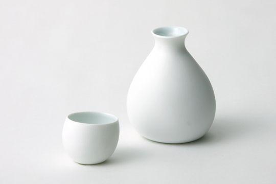 yuki sake bottle & cup    #Japan #design #porcelain
