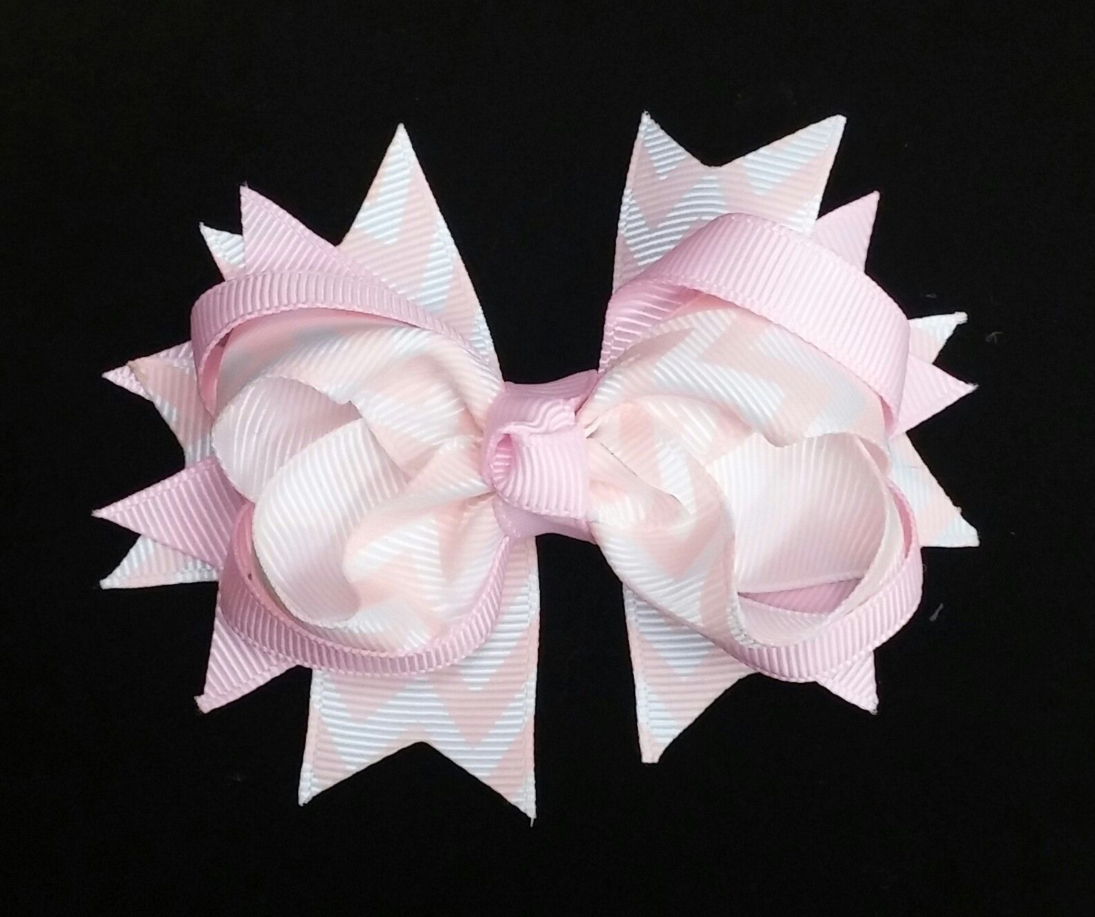 "4"" Light Pink Chevron Double Twist Bow"