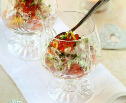 Mini-verrines apéritives saumon, crevettes et oeufs de poisson