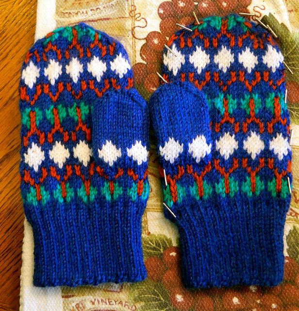 Young Amelia Pond fair isle mittens pattern by Alexander Murphy ...
