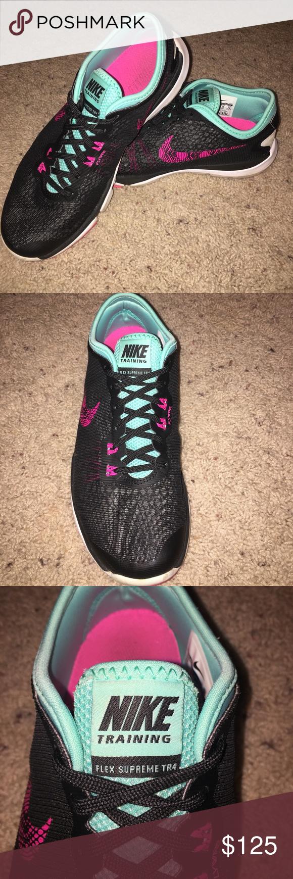 NIKE running shoes Running shoes nike, Running shoes, Shoes