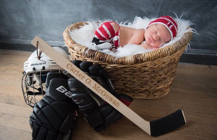 642ad447a HOCKEY BABY OUTFIT Detroit Red Wings pacifier not included, Hockey ...