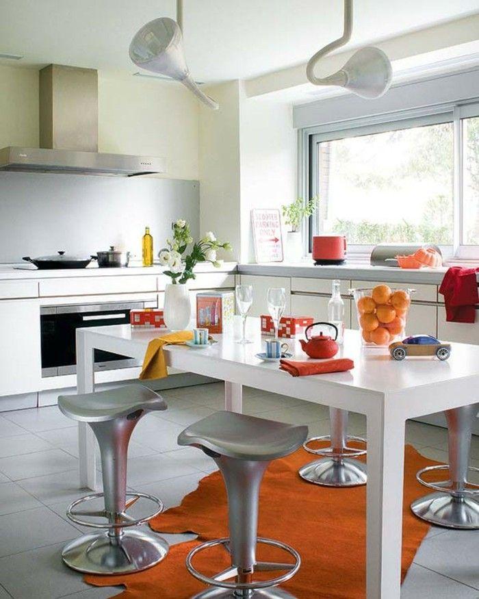 wohnideen küche oranger teppich weißer esstisch einrichtung - teppiche für die küche