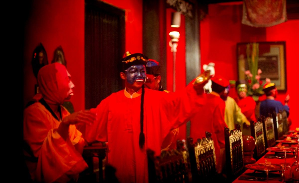 Forbidden City Dinner Of Emperor Pu Yi Features A Large Procession Of Eunuchs In Colorful Clothes And Masks Playing Merry Instruments And Loudly Singing Poetic
