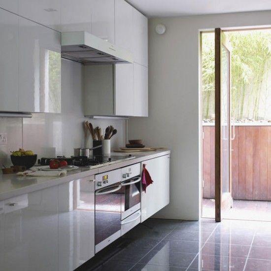 White Gloss Kitchen Oak Worktop: White Gloss Kitchen