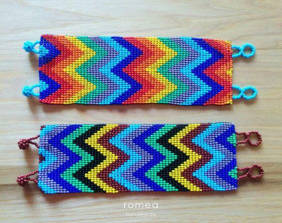 Brazaletes multicolores Arte Huichol Diseño por RomeaAccessories