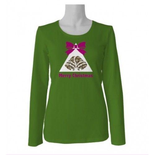 Camisetas_patchwork decoradas con motivos navideños en fondo verde