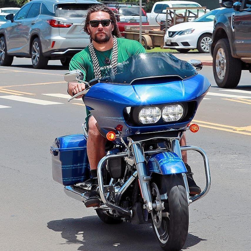 Mais Alguns Momentos Do Jason A Passear Pelo Hawaii Com A Sua Harley Davidson 03 De Agosto De 2019 Jason Momoa Jason Vehicles