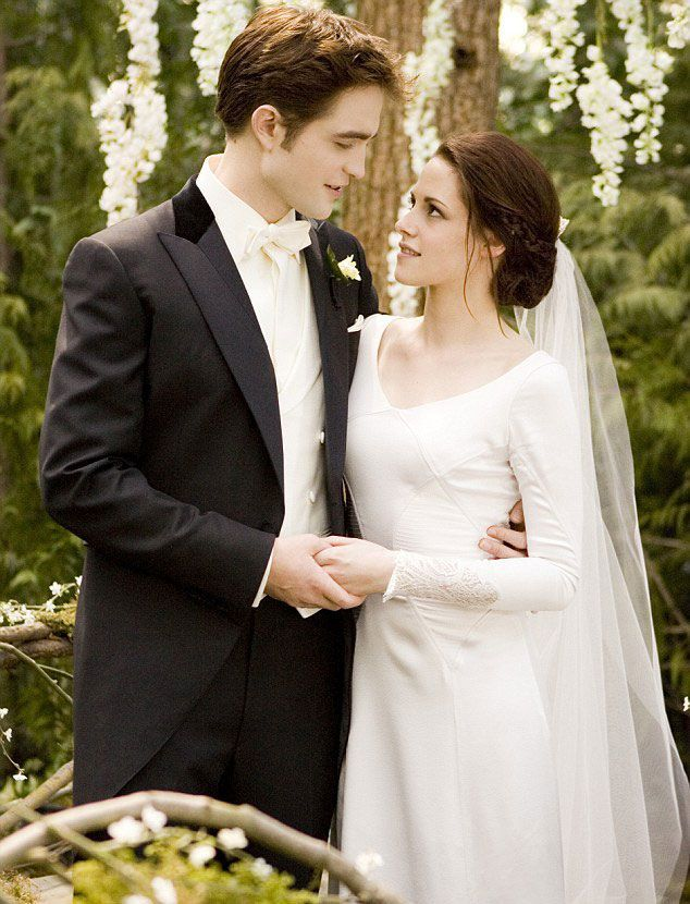Photo of Iconic film dresses: Kristen Stewart
