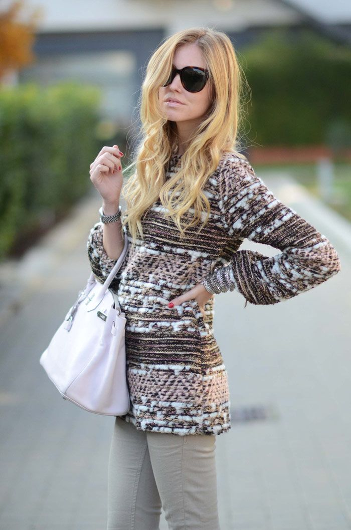 nude lips, soft waves, Birkin Bag, ans sweater love it alll .... but with black leggings instead = PERF .